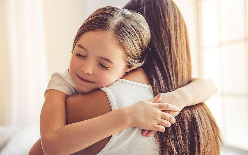 Hvad er bedst for børn ved skilsmisse? Få 9 sikre tips til at støtte dit barn gennem skilsmissen